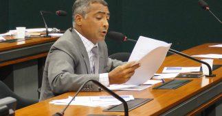 Romário em comissão na Câmara.